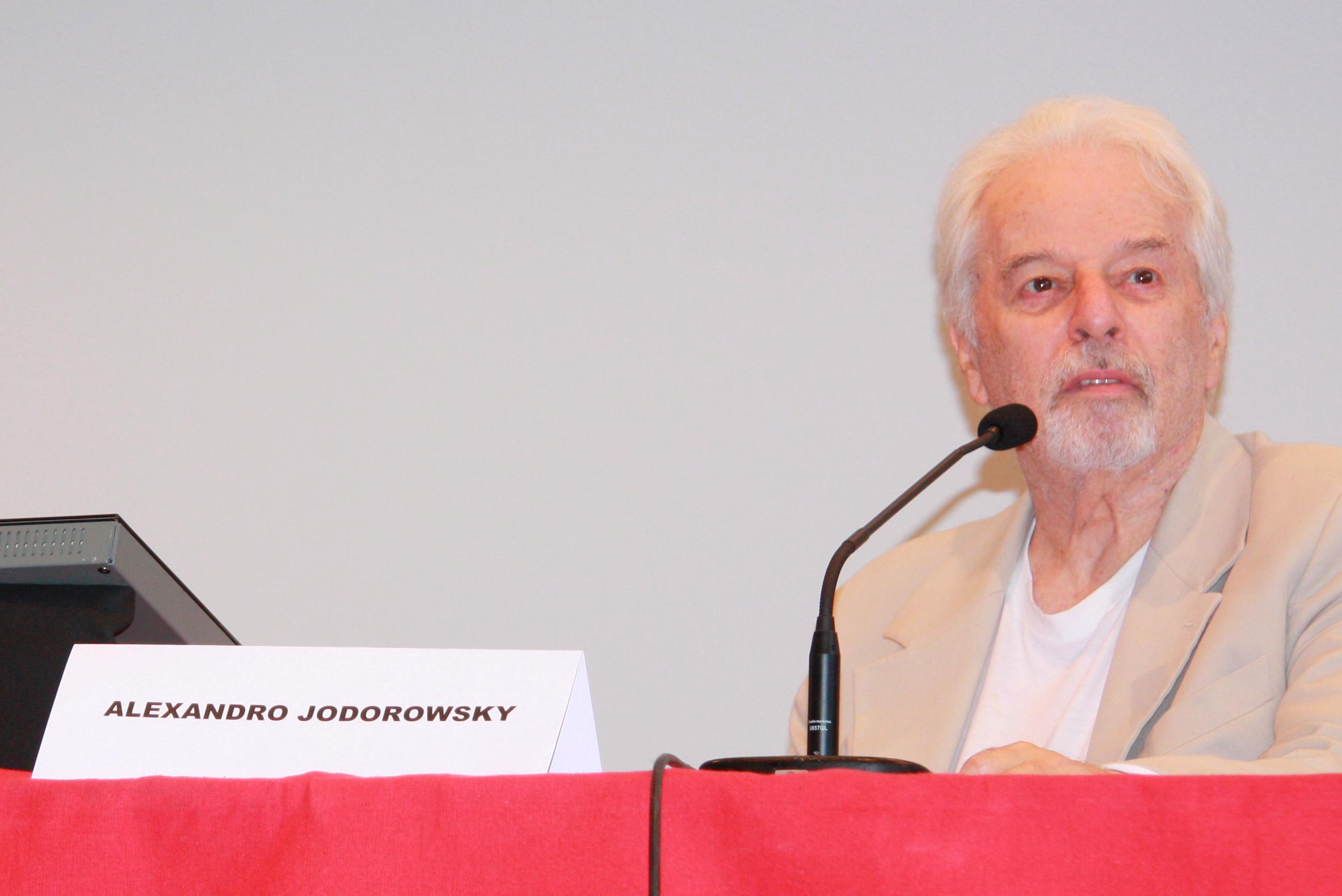 """Alexandro """"Ojo d'Oro"""" Jodorowsky Prullanski nació el 17 de febrero de 1929 en Tocopilla, Región de Antofagasta, en Chile."""